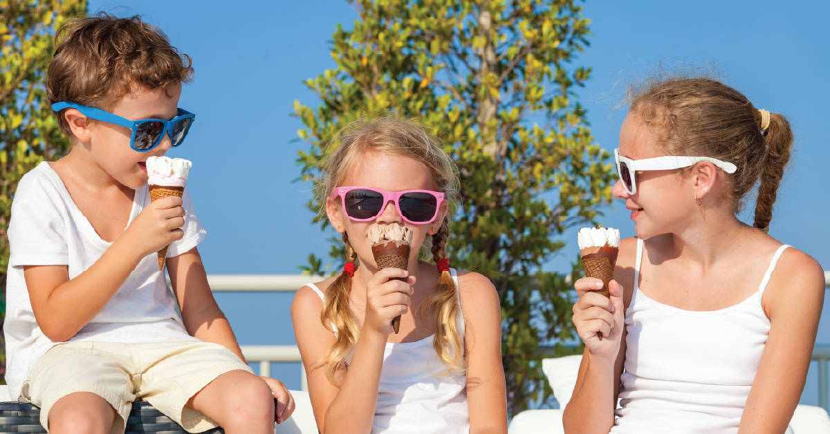 Out on Vacation? Don't neglect your little one's oral care. Here are some tips.